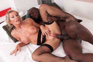 Mummy Marina Beaulieu Starlets in her very first interracial
